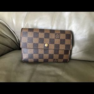 🌺Louis Vuitton Damier Wallet 🌺🌺🌺🌺🌺🌺🌺🌺🌺